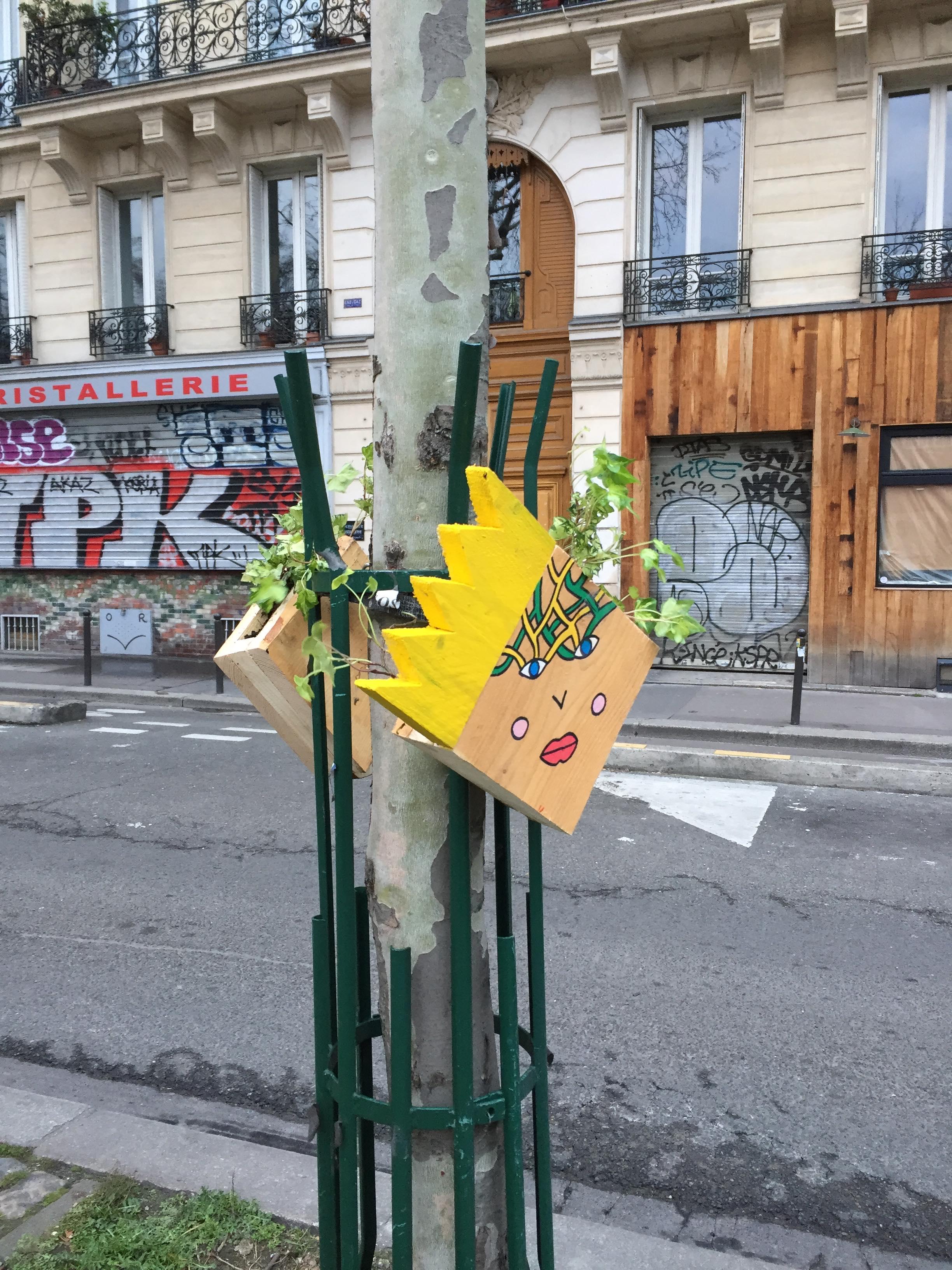 Installation pots de fleurs artistiques - Canal Saint Martin